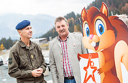"02.11.2016, Biathlonarena, Hochilzen, AUT, IBU Weltmeisterschaft Biathlon, Hochfilzen, Pressekonferenz 100 Tage, im Bild v.l.: General Major Mag. Andreas Pernsteiner (Österreichisches Bundesheer) ud Franz Berger (Organisationskomitee Hochfilzen) mit dem Maskottchen der Biathlon WM Hochfilzen 2017 // during a Pressconference ""100 Days"" in front of the IBU Biathlon World Championships 2017 at the Biathlonarena, Hochfilzen, Austria on 2016/11/02. EXPA Pictures © 2016, PhotoCredit: EXPA/ JFK"
