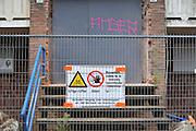 Nederland, Arnhem, 12-9-2012flats uit de jaren 50, wederopbouw, worden gesloopt om plaats te maken voor nieuwbouw. Het aanwezige asbest is door een asbestverwijderingsbedrijf gesaneerd.Foto: Flip Franssen/Hollandse Hoogte