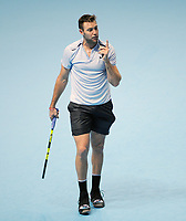 Tennis - 2017 Nitto ATP Finals  at The 02 - Day One, Sunday<br /> Roger Federer v Jack Sock<br /> <br /> Jack Sock (USA) sees the match slipping away<br /> <br /> COLORSPORT/ANDREW COWIE