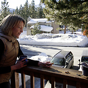 MAMMOTH LAKES, CA, January 19, 2008: Deena Kastor, a bronze medalist in the marathon at the 2004 Olympics, lives in Mammoth Lakes, CA. The high altitude and clean air provide a picturesque and challenging training ground for the Olympic hopeful.
