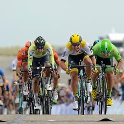 25-06-2016: Wielrennen: NK weg Profs: Ouddorp <br /> OUDDORP   (NED wielrennen<br /> Op het Zuid Hollandse eiland Goeree Overflakkee streden de profs om de Nederlandse titel. Dylan Groenewegen greep Nederlandse titel bij de profs. De Amsterdamse renner van Lotto-Jumbo bleef op de Brouwersdam Wouter Wippert (Wierden) voor. Wim Stroetinga (Nijkerk) eindigde als derde.