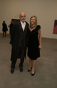 FRANCESCO CLEMENTE AND VALENTINA CASTELLANI.  SELF PORTRAITS BY Francesco Clemente. Gagosian Gallery. Britannia St. Kings X. London.  7 December  2005.ONE TIME USE ONLY - DO NOT ARCHIVE  © Copyright Photograph by Dafydd Jones 66 Stockwell Park Rd. London SW9 0DA Tel 020 7733 0108 www.dafjones.com