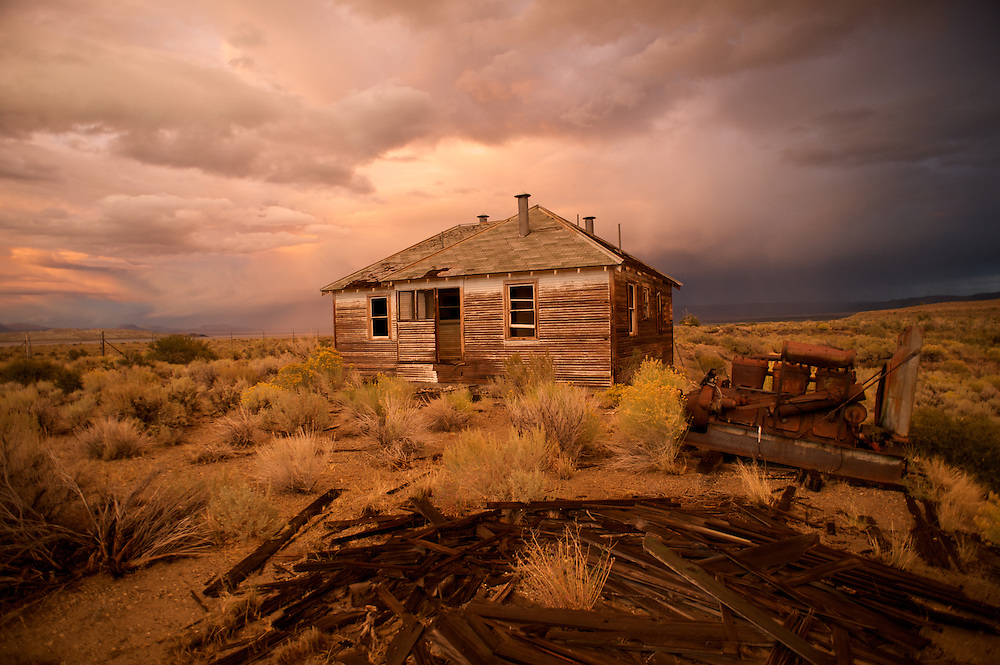 When the Los Angeles Dept. of Water and Power bought much of the land in the Owens Valley in Mono Basin, one family refused to sell. Their house still stands, perhaps as a proud testimony to the independent American spirit.