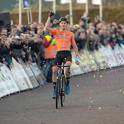 04-11-2018: Wielrennen: EK veldrijden: Rosmalen <br /> Mathieu van der Poel pakt op overtuigende wijze de titel bij de elite voor Wout van Aert en Laurens Sweeck