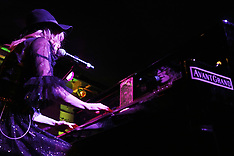 L' Aura plays live in Milano, Italy - 20 Dec 2017