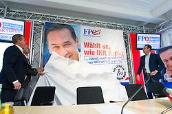 24.09.2015, Parlamentsklub, Wien, AUT, FPÖ, Dritte Plakatpräsentation anlässlich der Wien-Wahl 2015, im Bild v.l.n.r. FPÖ Landesparteisekretär Wien Anton Mahdalik, Nationalratsabgeordneter FPÖ Herbert Kickl und Klubobmann und Spitzenkandidat der FPÖ zur Wien-Wahl Heinz-Christian Strache // during presentation of placards for election campaign in vienna of the austrian freedom party in Vienna, Austria on 2015/09/24. EXPA Pictures © 2015, PhotoCredit: EXPA/ Michael Gruber