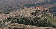 Il panorama di Calascibetta visto dal castello di Enna..The Calascibetta landscape viewed from the castle of Enna.