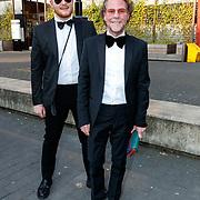 NLD/Hilversum/20180422 - Ontvangst gasten 27ste Coiffure Award Gala, Bastiaan van Schaik en partner Ramon Heinhuis