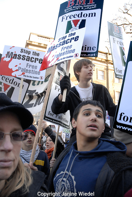 50,000 pro Palestinian demonstrators marched through London protesting Israeli invasion into Gaza  3rd january 2009