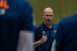 07-05-2019 NED: Press moment national volleyball team Men, Arnhem<br /> Roberto Piazza, the new national coach of the Dutch men's team, gives an overview of the group matches of the Golden European League, the OKT and the European Championship played in their own country / Coach Roberto Piazza
