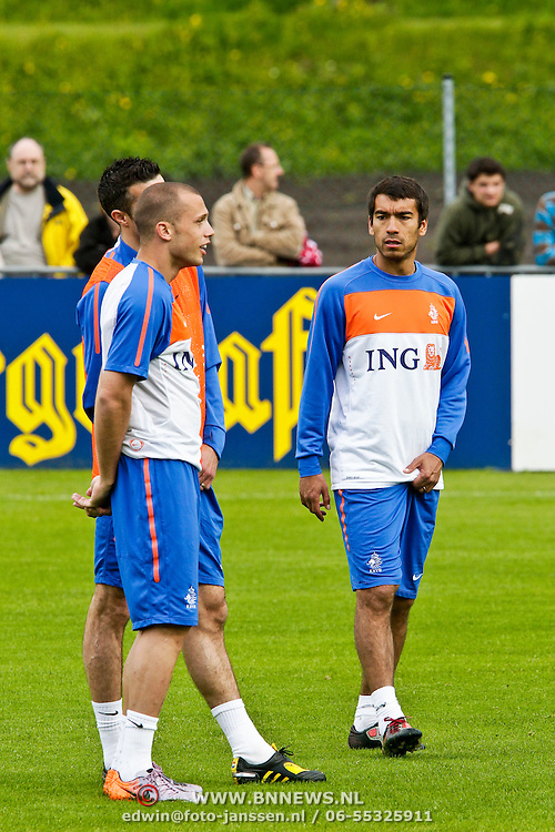 AUS/Seefeld/20100529 - Training NL Elftal WK 2010, Giovanni van Bronckhorst