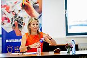 Werkbezoek Koningin Maxima aan Technisch bedrijf Hamer in Apeldoorn in het kader van het belang van goed opgeleid technisch personeel voor het MKB en de impact van de coronapandemie COVID-19<br /> <br /> Queen Maxima working visit to Hamer Technical Company in Apeldoorn in the context of the importance of well-trained technical personnel for SMEs and the impact of the corona pandemic COVID-19