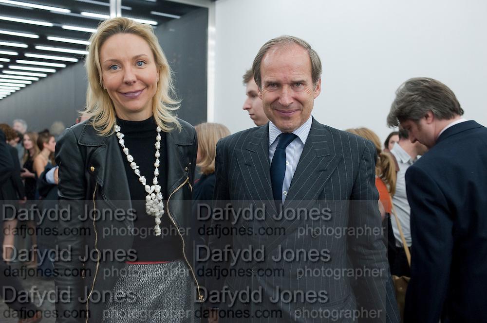 MICHAELA DE PURY; SIMON DE PURY, Opening of new White Cube Gallery in Bermondsey. London. 11 October 2011. <br /> <br />  , -DO NOT ARCHIVE-© Copyright Photograph by Dafydd Jones. 248 Clapham Rd. London SW9 0PZ. Tel 0207 820 0771. www.dafjones.com.