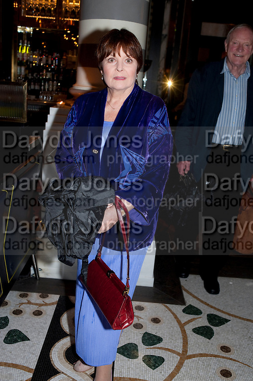 ISLA BLAIR, Massimo's restaurant at the Corinthia Hotel, Whitehall  host the after party  for 'Claire Rayner's benefit show' 5 June 2011. <br /> <br />  , -DO NOT ARCHIVE-© Copyright Photograph by Dafydd Jones. 248 Clapham Rd. London SW9 0PZ. Tel 0207 820 0771. www.dafjones.com.