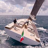 Maxi Dolphin<br /> Karma