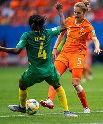 15-06-2019 FRA: Netherlands - Cameroon, Valenciennes<br /> FIFA Women's World Cup France group E match between Netherlands and Cameroon at Stade du Hainaut / Vivianne Miedema #9 of the Netherlands, Yvonne Leuko #4 of Cameroon