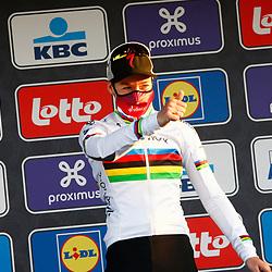 27-02-2021: Wielrennen: Omloop Het Nieuwsblad - Vrouwen: Gent: Anna van der Breggen wint de Omloop het Nieuwsblad voor Emma Norsgaard en Amy Pieters