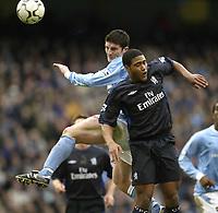 Foto: Aidan Ellis, Digitalsport<br /> NORWAY ONLY<br /> Manchester City v Chelsea.<br /> FA Barclaycard Premiership.<br /> 28/02/2004.<br /> City's Jon Macken beats Chelsea's Glen Johnson to the ball