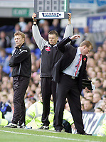 Photo: Paul Thomas.<br /> Everton v Middlesbrough. The Barclays Premiership.<br /> 06/11/2005.<br /> <br /> An un-happy Middlesborough manager Steve McClaren, as Everton manager David Moyes looks on.