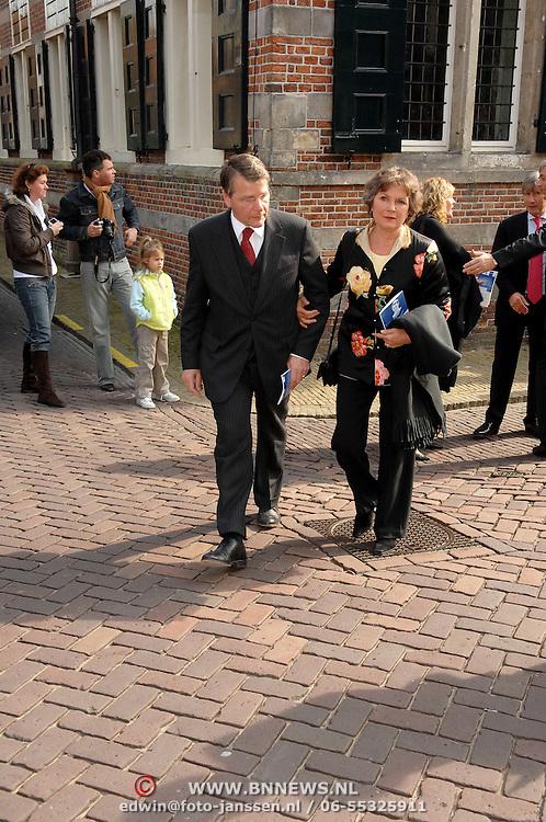 NLD/Naarden/20070406 - Mattheus Passion 2007, politicus Piet Hein Donner en partner