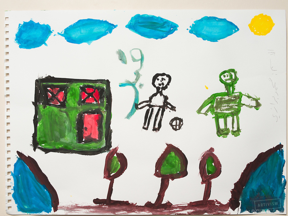 Drawing by a 10 year old Syrian boy. (Topic for session: draw your impression of life before, during and after the war.)