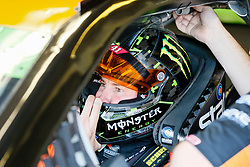 November 3, 2018 - Fort Worth, TX, U.S. - FORT WORTH, TX - NOVEMBER 03: Monster Energy NASCAR Cup Series driver Kurt Busch (41) adjusts his helmet during practice for the AAA Texas 500 at the Texas Motor Speedway in Fort Worth, Texas. (Photo by Matthew Pearce/Icon Sportswire) (Credit Image: © Matthew Pearce/Icon SMI via ZUMA Press)