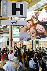 Movimento de Público na HOSPITALAR 2011 - 18ª Feira Internacional de Produtos, Equipamentos, Serviços e Tecnologia para Hospitais, Laboratórios, Ciênicas e Consultórios, que acontece de 23 a 27 de maio de 2011, no Expo Center Norte, em São Paulo. FOTO: Jefferson Bernardes/Preview.com