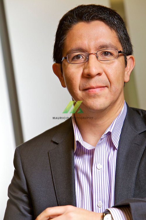 Erick Jaimes, broad international experience in multimillon dollar projects, strong analytical and problem solving skills, ability to identify specific goals for projects, partnerships and new business ventures, conduct Key Performance Indicators (KPI's) analysis, develop procedures to ensure projects are planned and controlled in order to meet company goals, and employ processes and systems to assure success. Proficient in the application and implementation of the Project Management Systems such as contract management, cost control, planning and logistics, broad experience in change management process with EPC Contractors, including evaluation, partner relations and negotiation. Capex and Opex budgeting and analysis, AFE development and review, Joint Operating Agreement (JOA) review and strategyc planning setting among others.