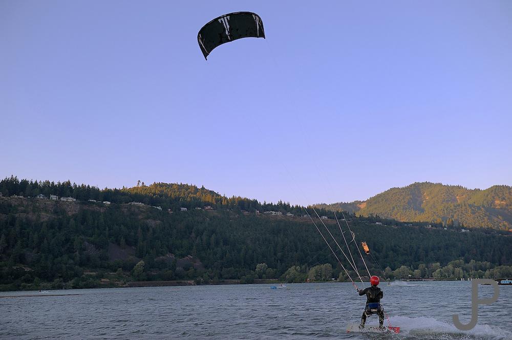 Aflonso Jiminez kiteboarding at Hood River, Oregon