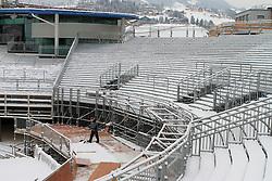 17.01.2013, Schladming, AUT, FIS Weltmeisterschaften Ski Alpin, Schladming 2013, Vorberichte, im Bild Schneeschaufler auf der Zuschauertribüne am 17.01.2013 // man with snow shovel at the visitors tribune on 2013/01/17, preview to the FIS Alpine World Ski Championships 2013 at Schladming, Austria on 2013/01/17. EXPA Pictures © 2013, PhotoCredit: EXPA/ Martin Huber