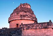 MEXICO, MAYAN, YUCATAN Chichén Itzá; El Caracol Observatory