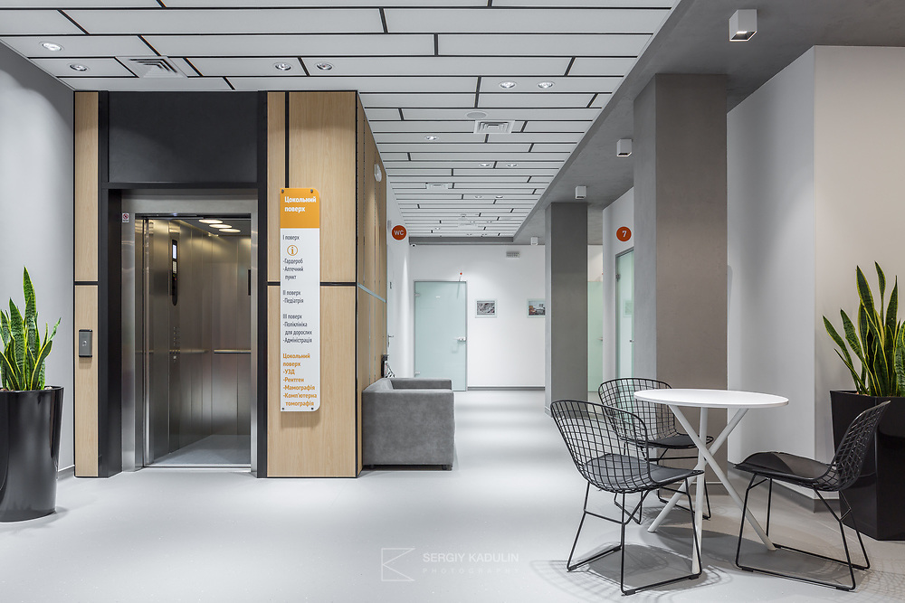 Фотосъемка интерьеров медицинской клиники R+ в Киеве. <br /> Дизайн интерьера: SED ARTE studio