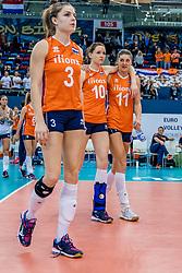 01-10-2017 AZE: Final CEV European Volleyball Nederland - Servie, Baku<br /> Nederland verliest opnieuw de finale op een EK. Servië was met 3-1 te sterk / Teleurgesteld Yvon Belien #3 of Netherlands, Lonneke Sloetjes #10 of Netherlands, Anne Buijs #11 of Netherlands