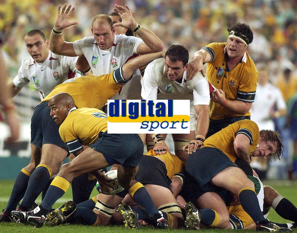Photo. Steve Holland. England v Australia Final at the Telstra Stadium, Sydney. RWC 2003.<br />22/11/2003.<br />George Gregan and Martin Johnston
