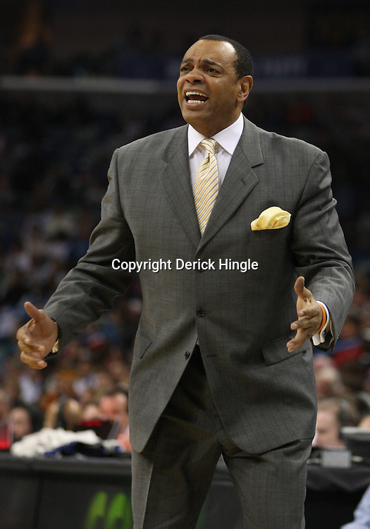 Mar 03, 2010; New Orleans, LA, USA; Memphis Grizzlies head coach Lionel Hollins argues with officials during the first half against the New Orleans Hornets at the New Orleans Arena. Mandatory Credit: Derick E. Hingle-US PRESSWIRE