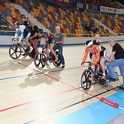 06-11-2016: Wielrennen: NK Teamsprint en Ploegenachtervolging : Apeldoorn  APELDOORN (NED) wielrennen  In het Omnisportcentrum in Apeldoorn werd gestreden om de nationale titels op de ploegenachtervolging en teamsprint. Zilver voor Harrie LAvreijsen, Sam Ligtlee en Carlo Cesar