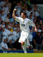 Fotball<br /> Leeds United v Derby County<br /> Coca Cola Championship<br /> 07/08/2004<br /> Foto: SBI/Digitalsport<br /> NORWAY ONLY<br /> <br /> Leeds' Frazer Richardson (R) celebrates after scoring.
