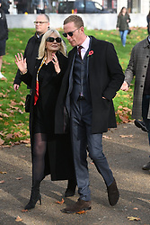 © Licensed to London News Pictures. 08/11/2020. London, UK. Actor and politician LAWRENCE FOX and leader of the Reclaim Party, pays his respects on Remembrance Sunday at the Royal artillery war memorial at Hyde Park Corner. credit: Ray Tang/LNP