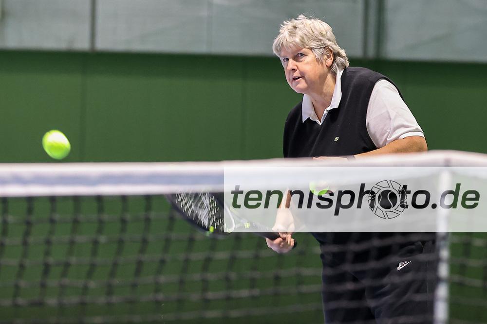 Im Bild: Barbara Ritter (TVBB Landestrainerin) <br /> <br /> TVBB Fotoshooting Barbara Ritter für matchBALL, Berlin, TVBB Verbandshalle, 16.12.2020, <br /> <br /> Foto: Claudio Gärtner