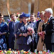 NLD/Veenendaal/20120430 - Koninginnedag 2012 Veenendaal, koninging Beatrix, Willem-Alexander, Maxima, Floris en partner Aimee Sohngen