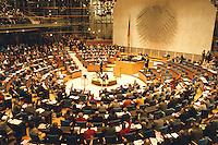 05 FEB 1998, BONN/GERMANY:<br /> Deutscher Bundestag, Plenarsaal, <br /> IMAGE: 19980205-03/01-31