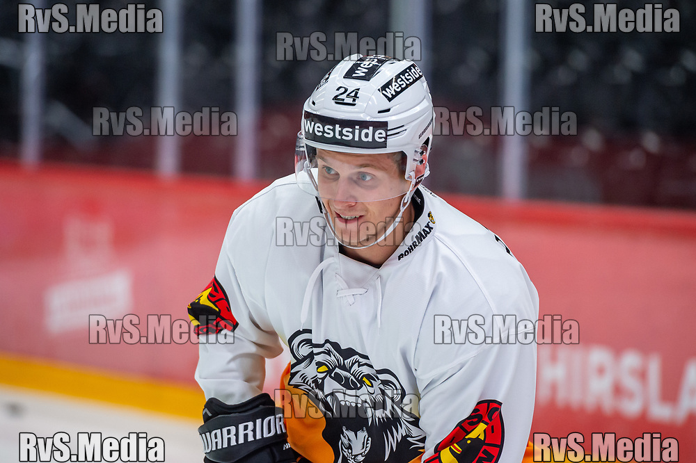 LAUSANNE, SWITZERLAND - SEPTEMBER 28: Dominik Kahun #24 of SC Bern warms up prior the Swiss National League game between Lausanne HC and SC Bern at Vaudoise Arena on September 28, 2021 in Lausanne, Switzerland. (Photo by Monika Majer/RvS.Media)