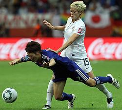 17.07.2011, Commerzbankarena, Frankfurt, GER, FIFA Women Worldcup 2011, Finale,  Japan (JPN) vs. USA (USA), im Bild:  .Zweikampf zwischen Yukari Kinga (Japan) (L) gegen Megan Rapinoe (USA) (R).. // during the FIFA Women Worldcup 2011, final, Japan vs USA on 2011/07/11, FIFA Frauen-WM-Stadion Frankfurt, Frankfurt, Germany.   EXPA Pictures © 2011, PhotoCredit: EXPA/ nph/  Mueller       ****** out of GER / CRO  / BEL ******