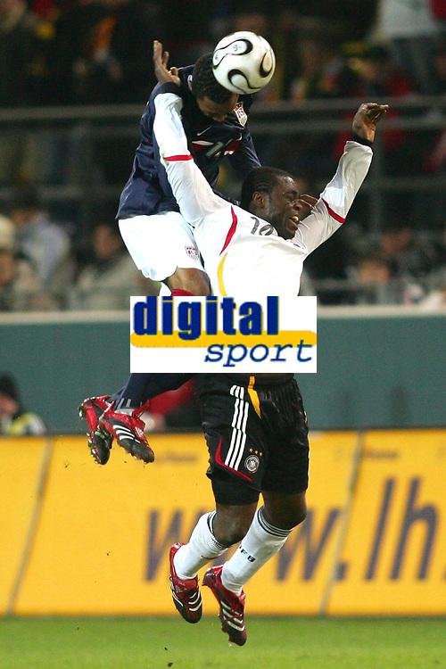 Fotball 22. mars 2006 , Tyskland - USA <br /> v.l. Cory Gibbs, Gerald Asamoah Deutschland<br />  Norway only