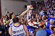 Achille Polonara, Commando Ultra' Dinamo<br /> Banco di Sardegna Dinamo Sassari - AX Armani Exchange Olimpia Milano<br /> LBA Serie A Postemobile 2018-2019 Playoff Semifinale Gara 3<br /> Sassari, 02/06/2019<br /> Foto L.Canu / Ciamillo-Castoria