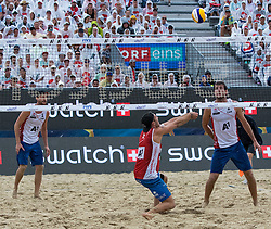 28.07.2016, Strandbad, Klagenfurt, AUT, FIVB World Tour, Beachvolleyball Major Series, Klagenfurt, Herren, im Bild Moritz Pristauz-Telsnigg (2, AUT) vorne, Chaim Schalk (1, CAN), Ben Saxton (2, CAN) hinten // during the FIVB World Tour Major Series Tournament at the Strandbad in Klagenfurt, Austria on 2016/07/28. EXPA Pictures © 2016, PhotoCredit: EXPA/ Gert Steinthaler