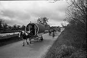 06-10/04/1964.04/06-10/1964.06-10 April 1964.Views on the River Shannon. Travelling people wind their way through the counties of the Shanon.