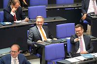 DEU, Deutschland, Germany, Berlin, 07.09.2021: FDP-Partei- und Fraktionschef Christian Lindner und Marco Buschmann, 1. Parlamentarischer Geschäftsführer der FDP-Bundestagsfraktion, im Plenum des Deutschen Bundestags.