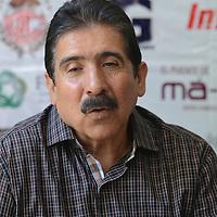 """Toluca, México.- Isaac Arroyo, Vocal del consejo directivo del a fundación UAEMex, durante conferencia de prensa, donde anunciaron el Cuarto Torneo de Golf """"Jugando por la Educación"""", evento organizado por la Fundación UAEMEX. Agencia MVT / Arturo Hernández."""