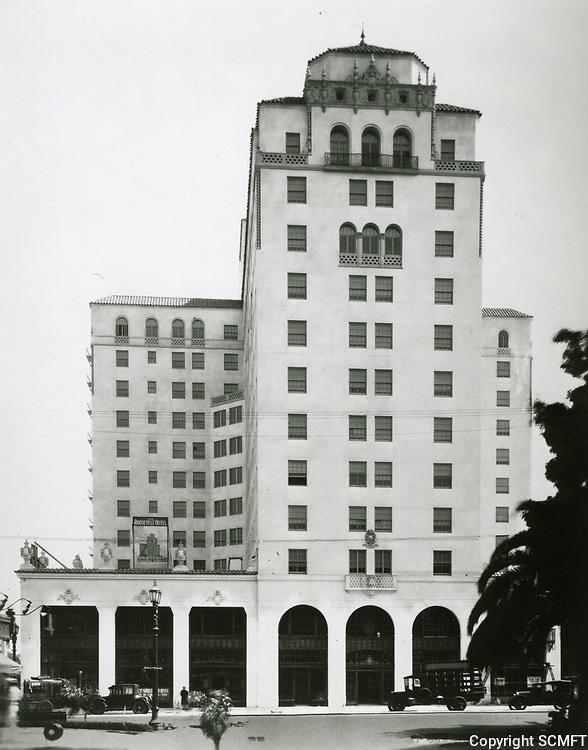 1926 Hollywood Roosevelt Hotel under construction